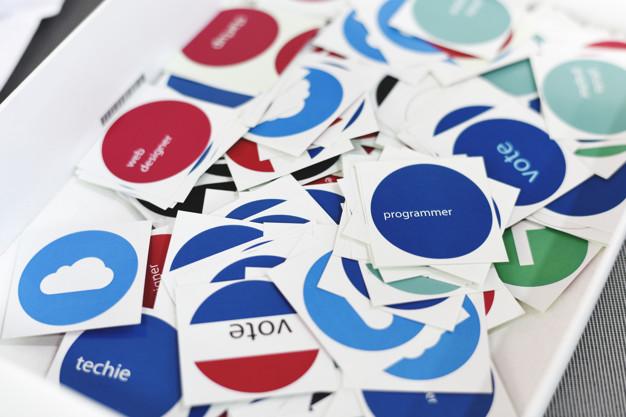 Adesivos personalizados de papel - Freepik