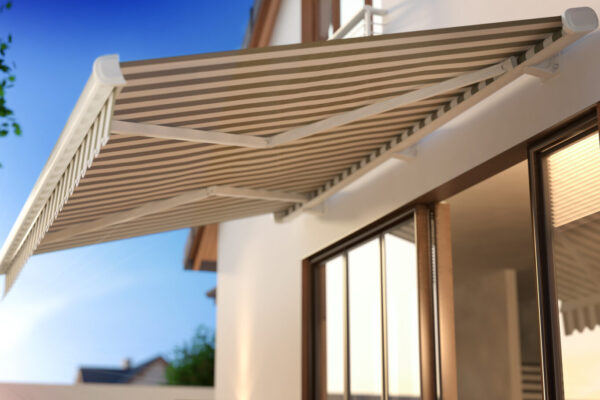 Benefícios que as coberturas em lona podem proporcionar à fachada